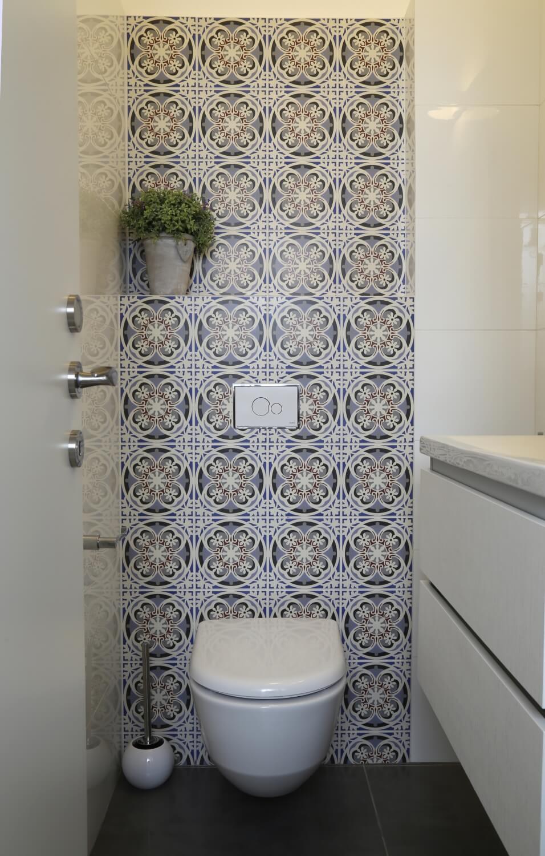 אריחים מצוירים לחדר שירותים