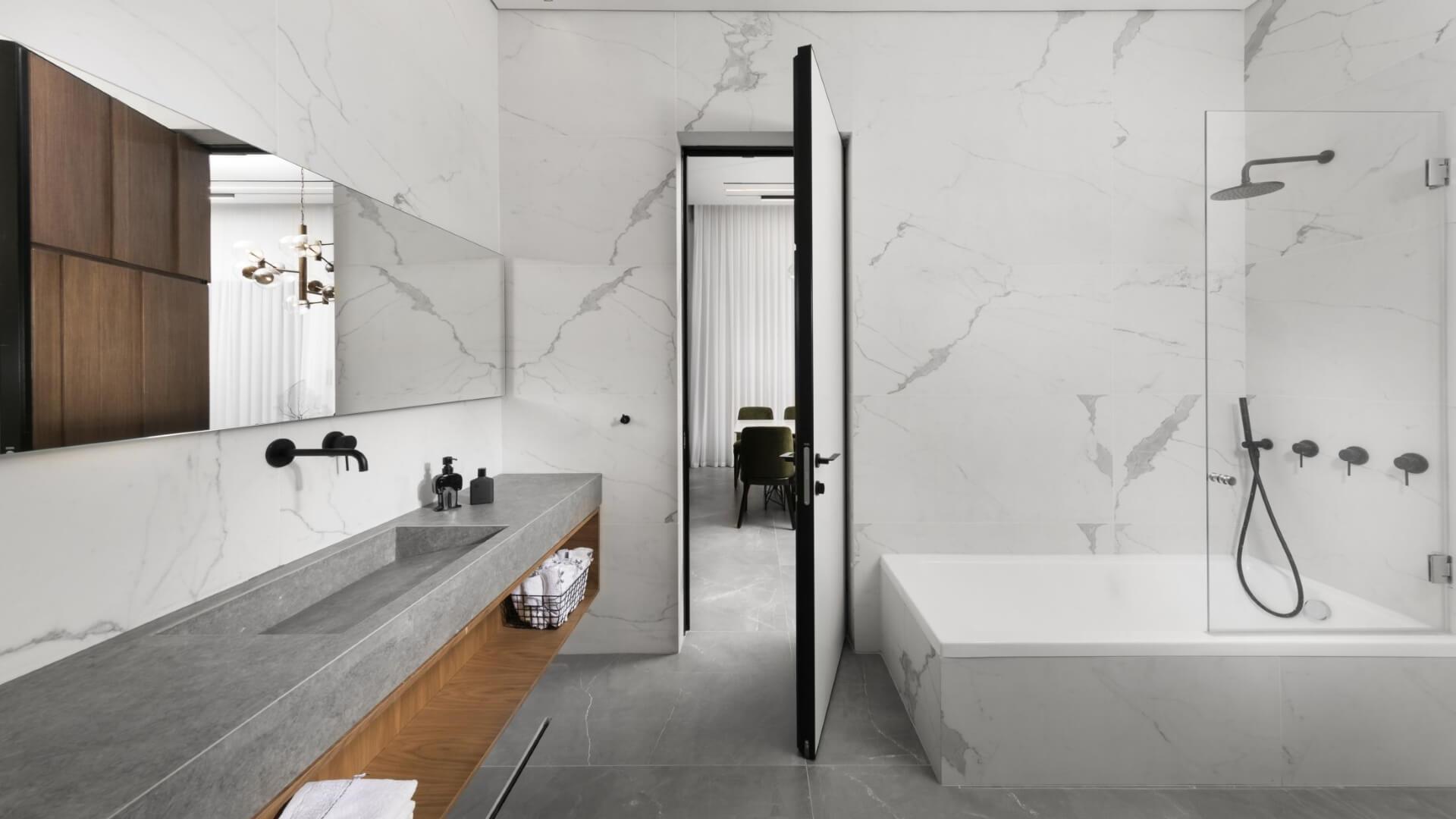 מקלחון פינתי בעיצוב מיוחד