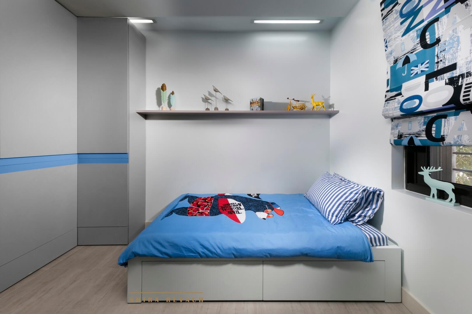 ריצוף דמוי פרקט בחדר שינה