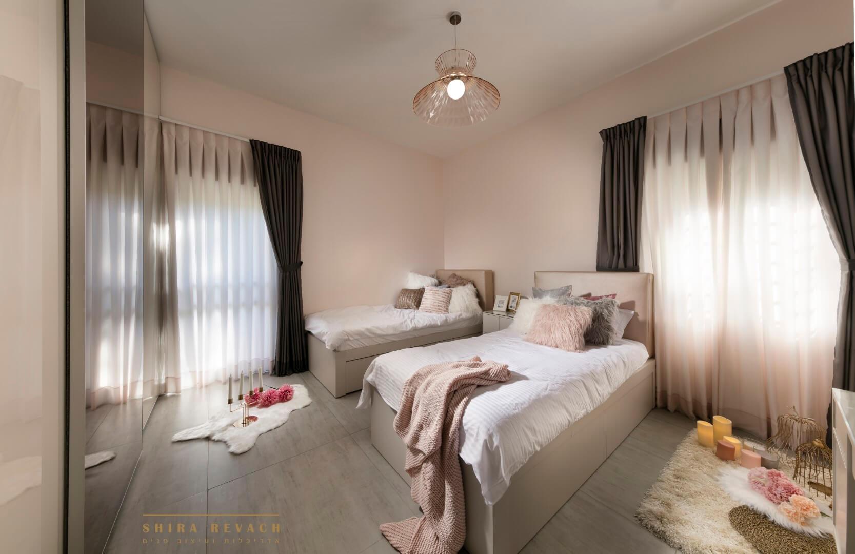 אריחי ענק לחדר שינה