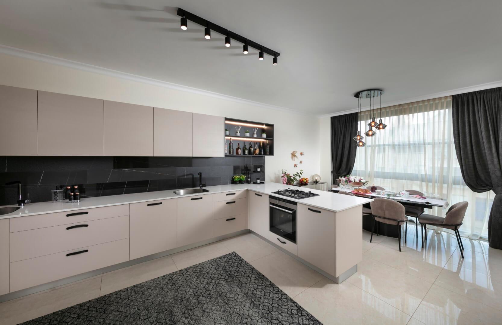 ריצוף גרניט פורצלן במטבח לבן