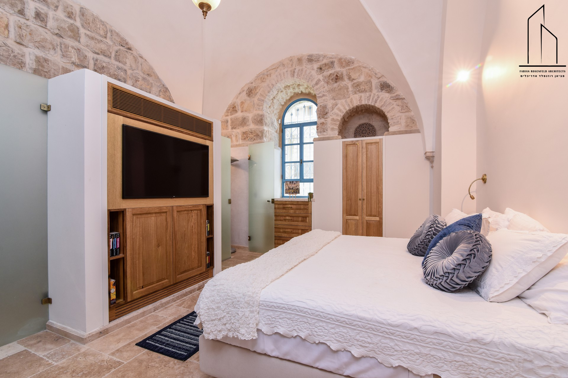 עיצוב חדר שינה בשימוש מוצרי בר עמי עיצובים