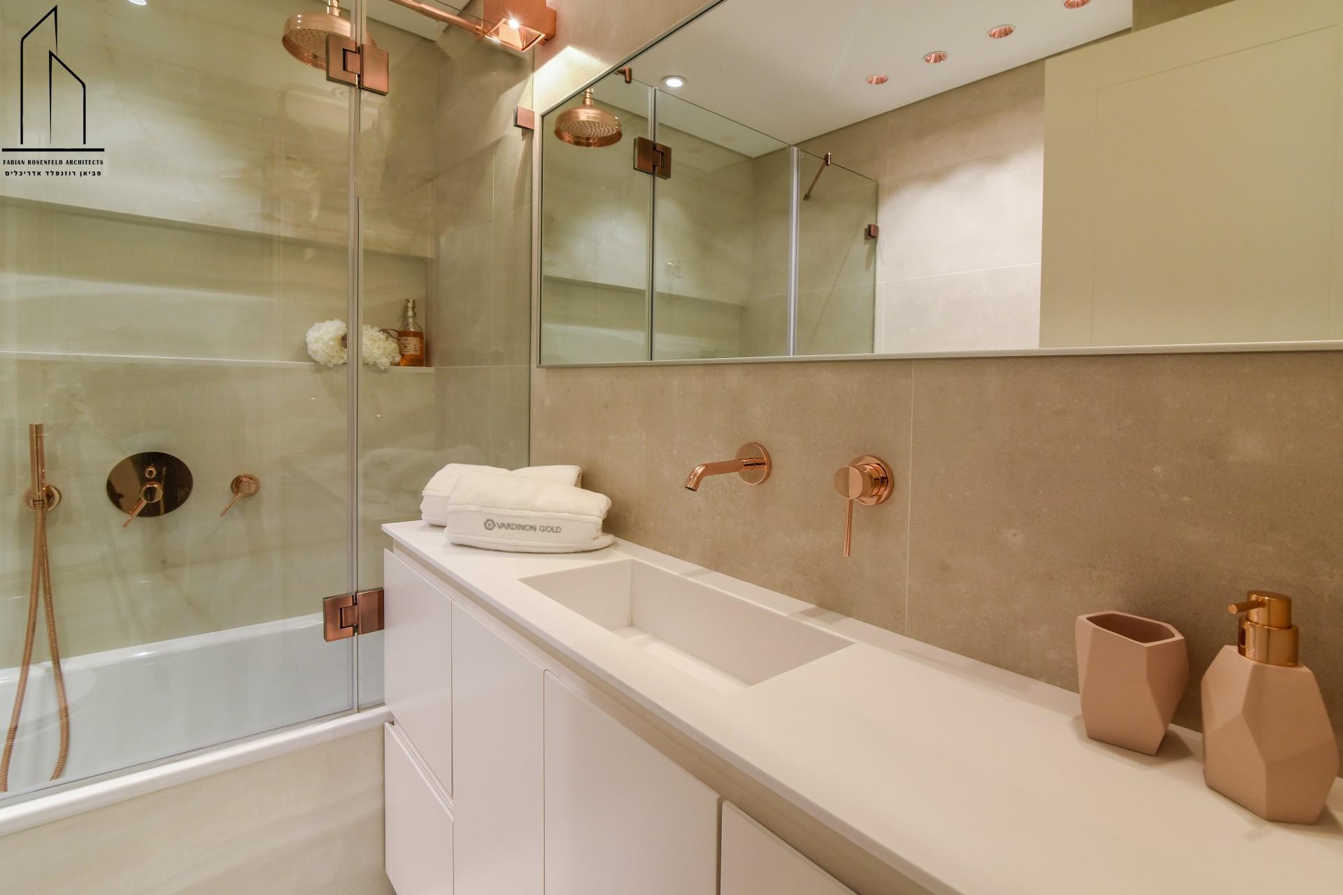 אביזרי אמבטיה בעיצוב אישי